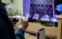 China Cuts Screentime for Minors